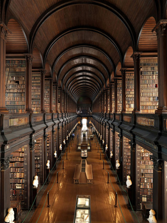 amazing-libraries-trinity-college-dublin1 13 Incredibly Intricate Historic Libraries