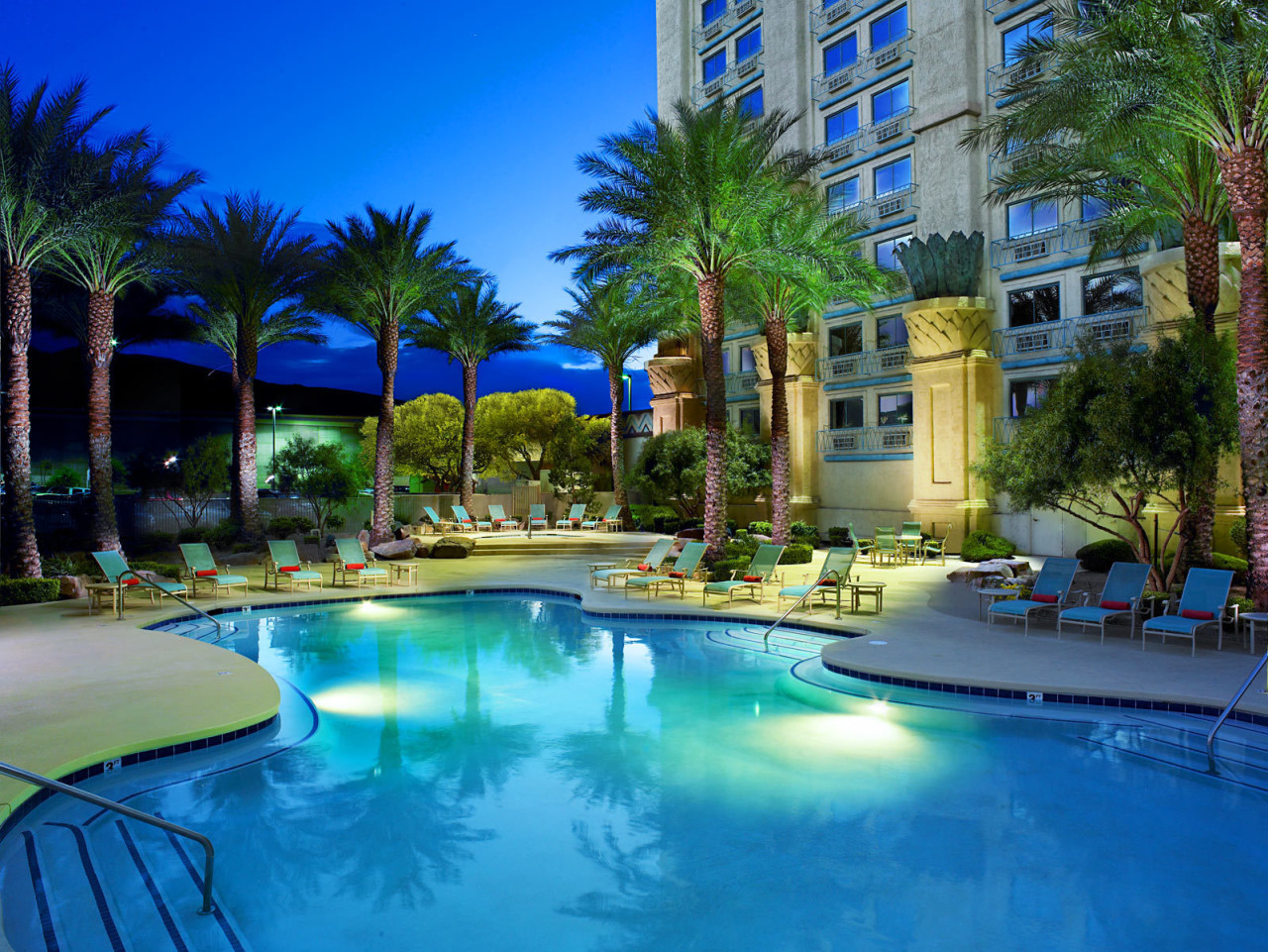Top 20 las vegas resort pools part 1 for Top 20 hotels